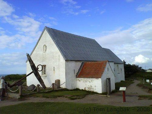 Mårup Kirke, Lønstrup, Danmark, august 2008.