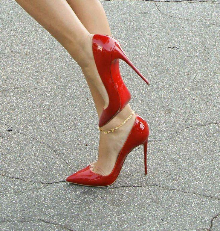 Sizzling hot high heels www.ScarlettAvery.com