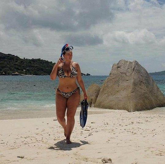 Ashley Graham si užívala potápění.