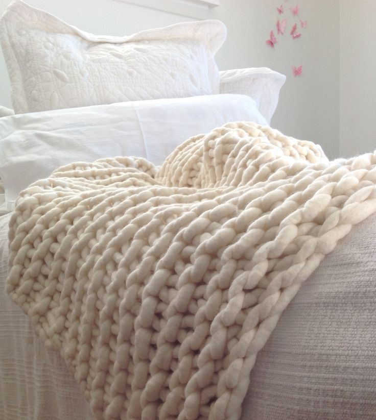 Natural creamy merino wool - chunky knit throw from chaingangstore.co.nz.
