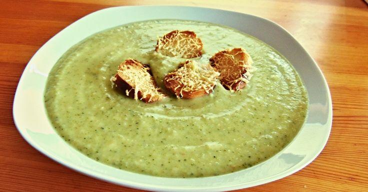 RECEPT: Brokolicová polievka ktorú si zamiluješ! via @akademiakrasy