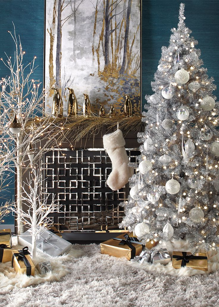 You Donu0027t Have To Live In A Large Space To Decorate Your Apartment From Top  To Bottom With Holiday Accents. Whether You Celebrate Christmas Or  Chanukah, ...