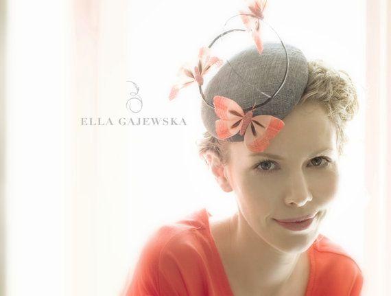 Dark Grey Cocktail Straw Mini Hat Pillbox di EllaGajewskaHATS, £149.00