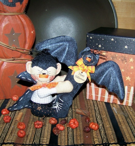 Primitive Halloween Dracula Bat Ornie by PrimitivelyPrecious