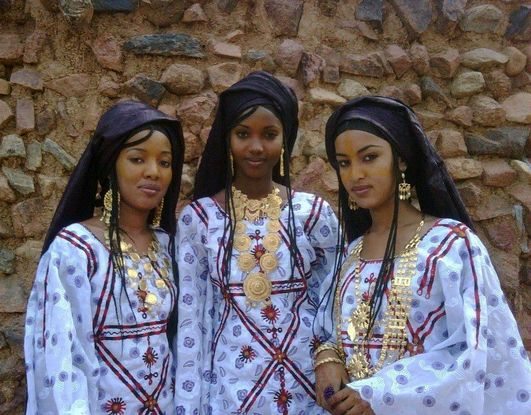 Africa | Tuareg women. Agadez, Niger | ©unknown | The ... Traditional African Fashion Headdress