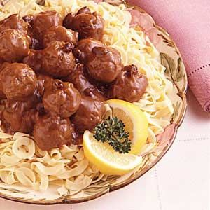 German Meatballs with Gingersnap Gravy