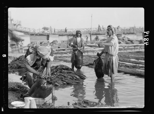 Iraq Mosul Mosul Bazaars And River Scenes On The Tigris The Tigris Inflading Goatskins For River Rafts Inflating By Human Breath Iraq Rafting Early Photos