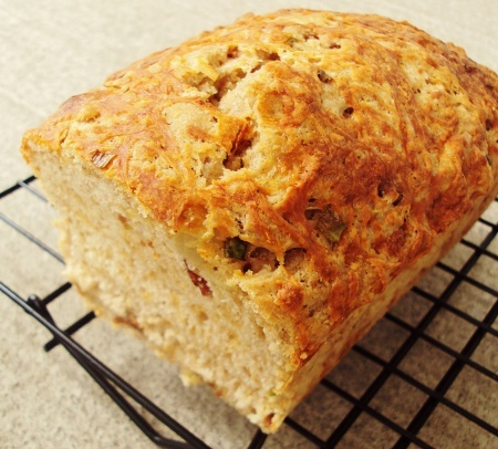 Bacon Cheddar Beer Bread. | bread and muffins of all kinds | Pinterest