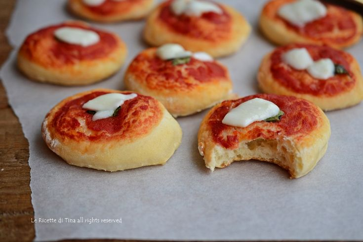 Pizzette morbide con fiocchi di latte