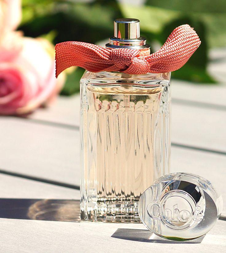 Roses de Chloé EdT • Kopfnote: Bergamotte, Estragon, Litschi • Herznote: Damaszener-Rose, Magnolie, Zedernholz • Basisnote: weißer Moschus, Amber