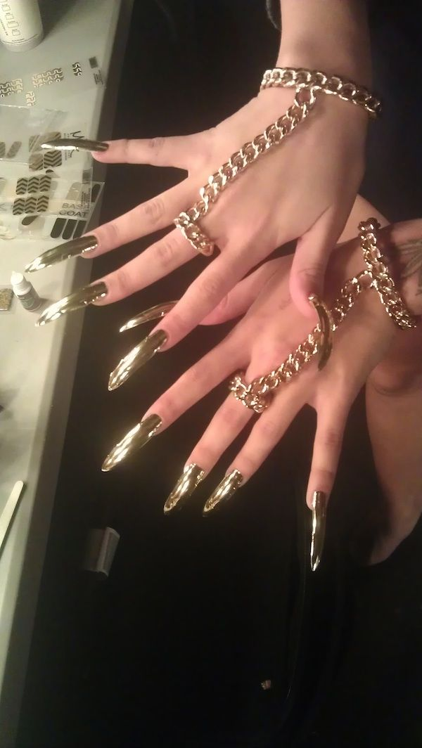 Beyoncé backup dancers ROCKS Chevron Gold Minx Nails at Superbowl!