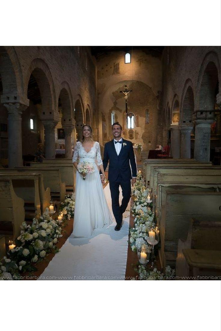 Gli sposi Alessandra e Federico in chiesa [Dove Vuoi Catering - Villa Rota]