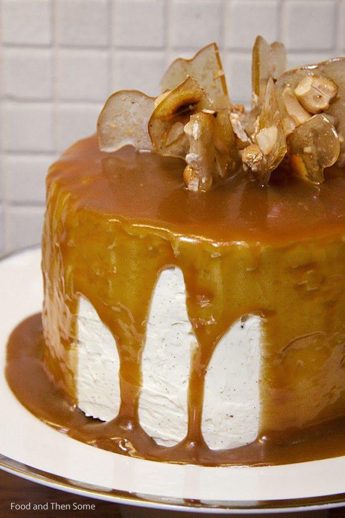 Caramel cake with Pralines / Kinuskikakku praliineilla