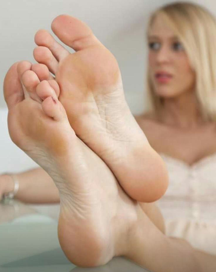 women with little feet pirn