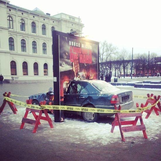 Die Hard 5 - Ambient in Oslo, Norway | #ambient #outdoor #creative #guerillamarketing #guerilla #billboard #ambientmedia #viral #campaign < found on www.fromupnorth.com pinned by www.BlickeDeeler.de | Follow us on www.facebook.com/blickedeeler