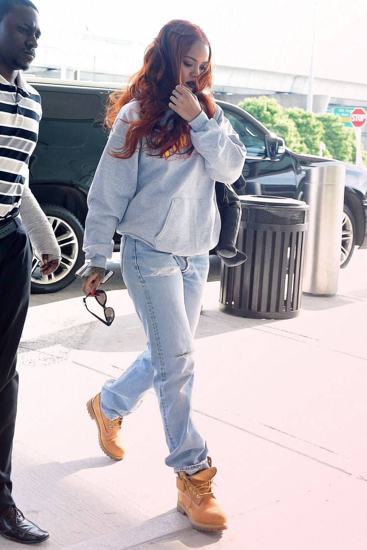 17 Best Ideas About Rihanna Street Style On Pinterest Boyfriend Shirt Rihanna Outfits And Rihanna