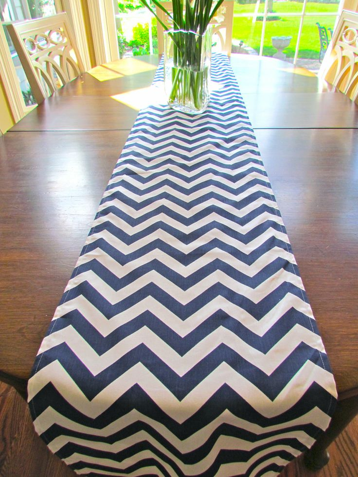 best 25 navy blue table runner ideas on pinterest navy table runners red table settings and. Black Bedroom Furniture Sets. Home Design Ideas