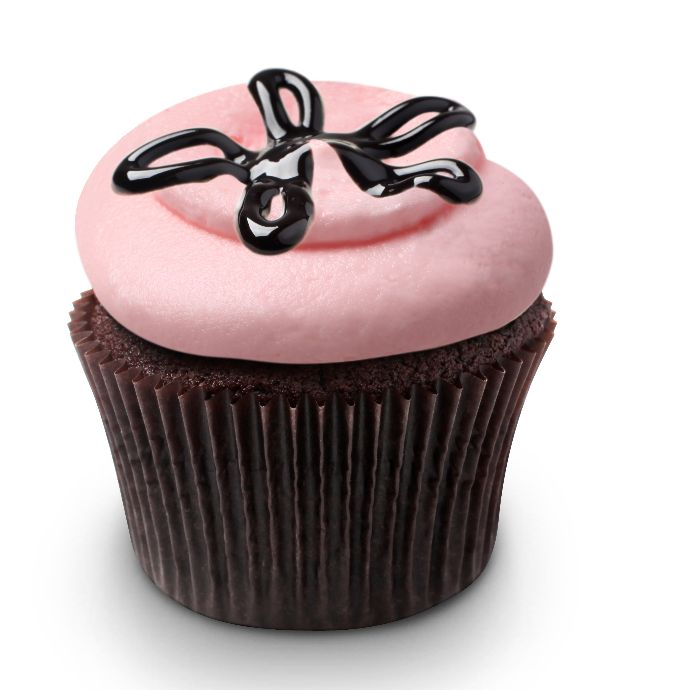 Georgetown Cupcake Strawberry Lava Fudge Cupcakes BETHANIES BIRTHDAY CAKE MAKE THIS