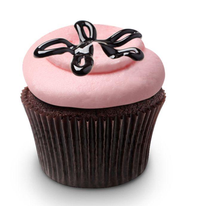 Georgetown Cupcake Strawberry Lava Fudge Cupcakes