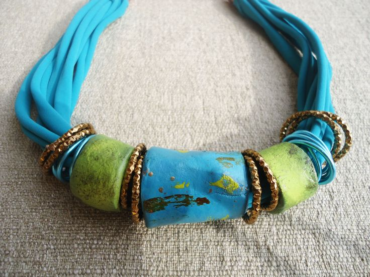 collana artiganale in argilla e lycra - turchese e verde lime