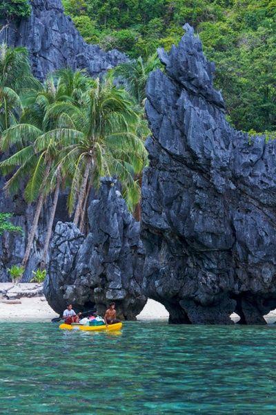 Island Hopping in El Nido, Palawan - Philippines.