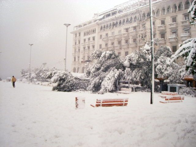 Χιονιάς Θεσσαλονίκης 1988 (video) | Meteo-news.gr