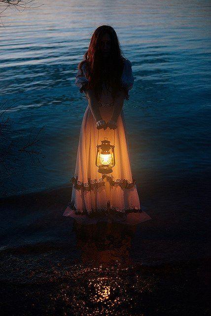 marisel@reflexiones.com: Si la noche es tan oscura que no llegas a divisar ...