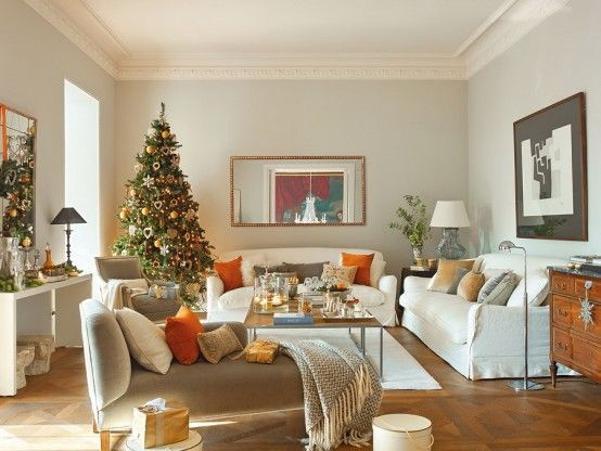 Modern Spanish House Decorated For Christmas | DigsDigs