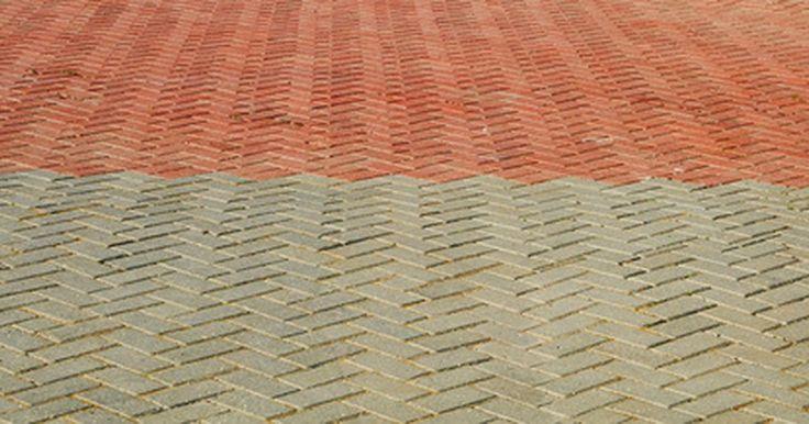 Como carimbar uma calçada de concreto. Estampagem pode dar a aparência de trabalho personalizado em pedra e adicionar cor e beleza à sua calçada de concreto. Você pode usar formas de carimbo de borracha para dar um visual a paralelepípedos, pavimentação de tijolos, lajes ou qualquer projeto na superfície de concreto. A estampagem não é um processo difícil, uma vez que o concreto esteja ...