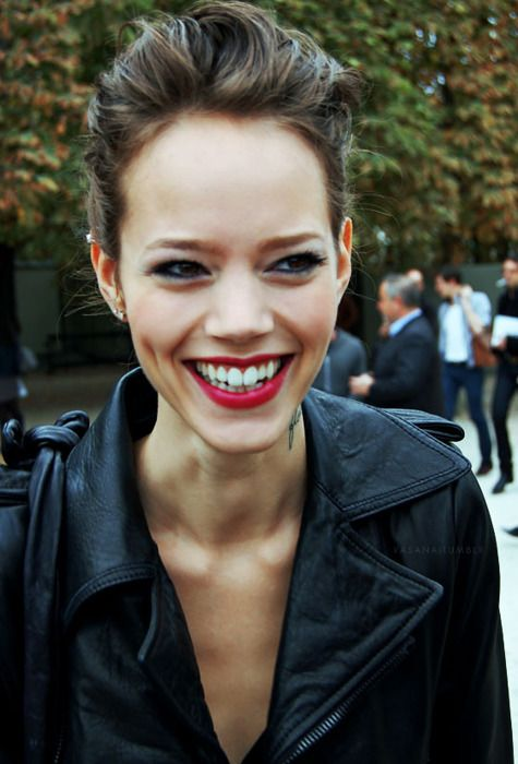 brunette, leather, red lips . love her i wish i was that skinny too