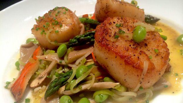 MasterChef Canada - Michael Bonacini's Seared Scallops with Asparagus, Edamame and Mushrooms