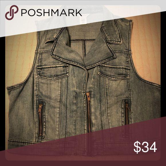 Denim zip up vest It's sleeveless, cropped, & a faded light blue denim Candie's Tops Crop Tops