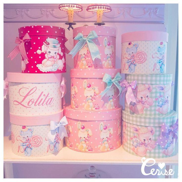 新作帽子箱入荷してきました テレフォンバニーとロリポップベアはニューバージョンになりました . #cerisestore #cerise #hatbox #maki_cerise #lolita . http://ift.tt/2lkN9ue