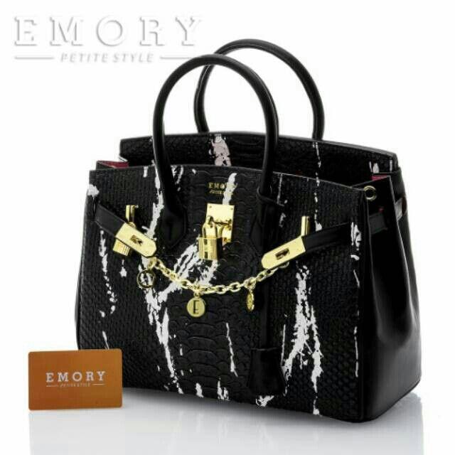 Saya menjual E M O R Y  Arista. Series 18EMO510 . seharga Rp360.000. Dapatkan produk ini hanya di Shopee! {{product_link}} #ShopeeID