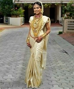 South Indian Wedding Poses with Saree