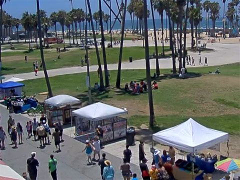 BEACH CAM - Live streaming webcam from Venice Beach, California http://www.westland.net/beachcam/