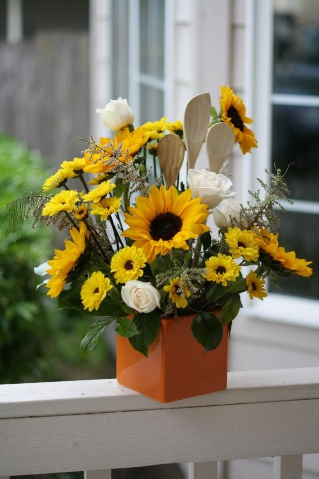Sunflower kitchen utensils arrangement flowers for Kitchen arrangements photos