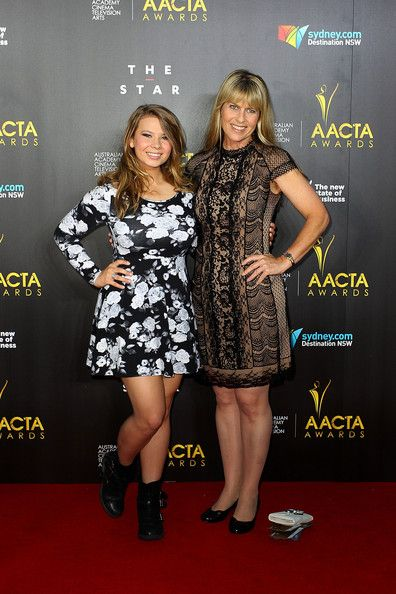 Bindi Irwin and Terri Irwin Photos Photos - Bindi Irwin and Terri Irwin arrive at the 3rd Annual AACTA Awards Ceremony at The Star on January 30, 2014 in Sydney, Australia. - Arrivals at the 3rd Annual AACTA Awards