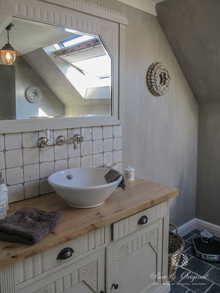 Nice bathroom in Lime Paint / Kalkverf. Color River Silt. Using Lime Paint in a bath room, remember this. Use our Dead Flat Eco Sealer to protect the paint, with this sealer you can scrub the wall. More bathrooms? Look at our board Bathroom.