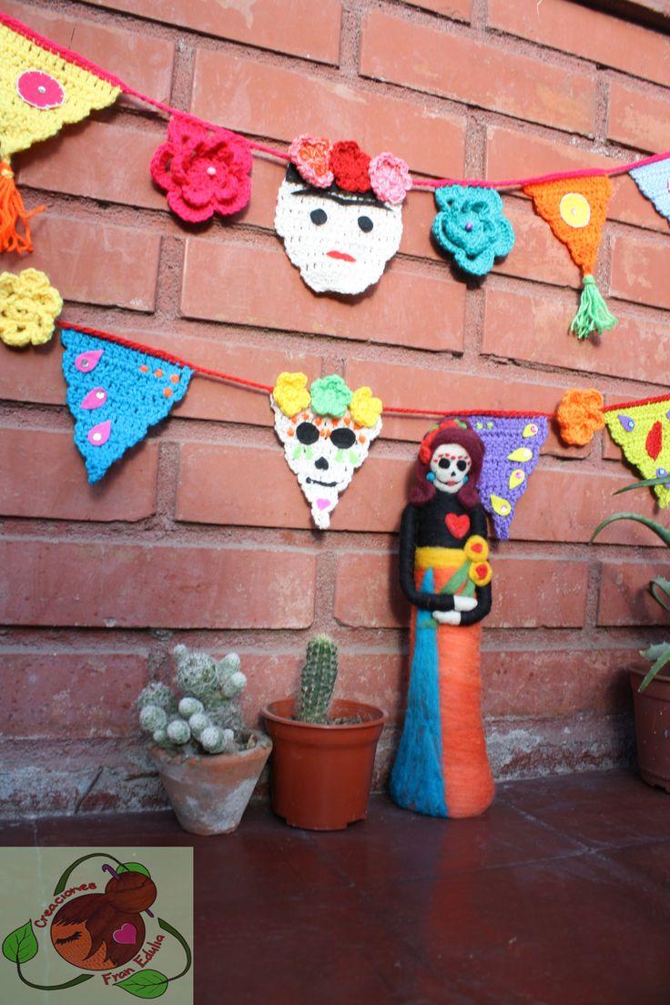 banderines tejidos a crochet tematicos.. muñeca de vellón
