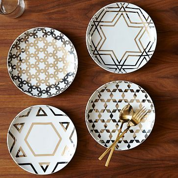 Make these Silver Star Hanukkah Plates out of inexpensive porcelain/ceramic plates and gold paint pen! #westelm #westelmhack
