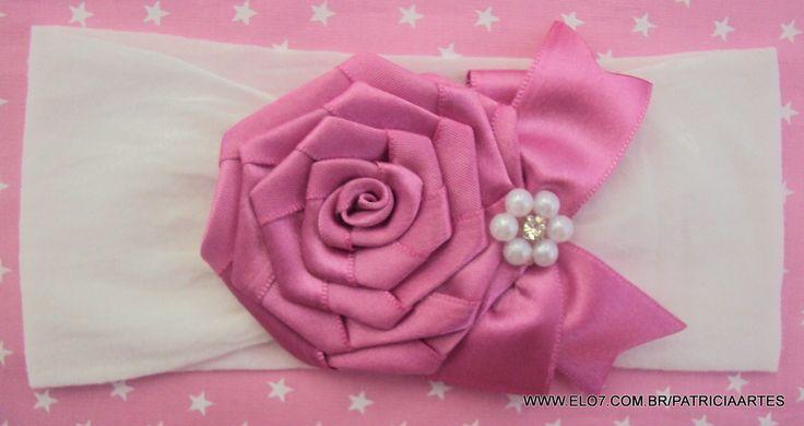 Faixa para bebê em meia de seda.  Rosa de fita de cetim.  A rosa mede aproximadamente 6 cm.    IMPORTANTE!!!  LEIA AS POLÍTICAS DA LOJA!