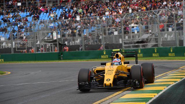 Jolyon Palmer (GBR) Renault Sport F1 Team RS16 at Formula One World Championship, Rd1, Australian Grand Prix, Qualifying, Albert Park, Melbourne, Australia, Saturday 19 March 2016. copy; Sutton Motorsport Images
