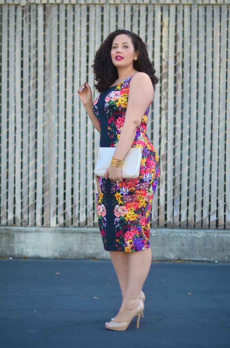 Girl With Curves: Mirrored Floral.       This dress is great. I love mirrored floral skirts and dresses.