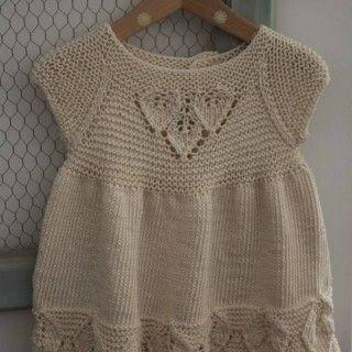 Kız Bebeklere Örgü Elbise Modelleri 159