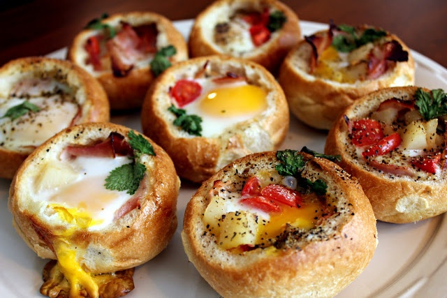 Perfecting the Pairing: Customizable Bread Bowl Breakfast--perfect for leftovers!
