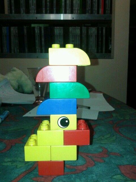 Pulcino con cappello brasiliano in lego