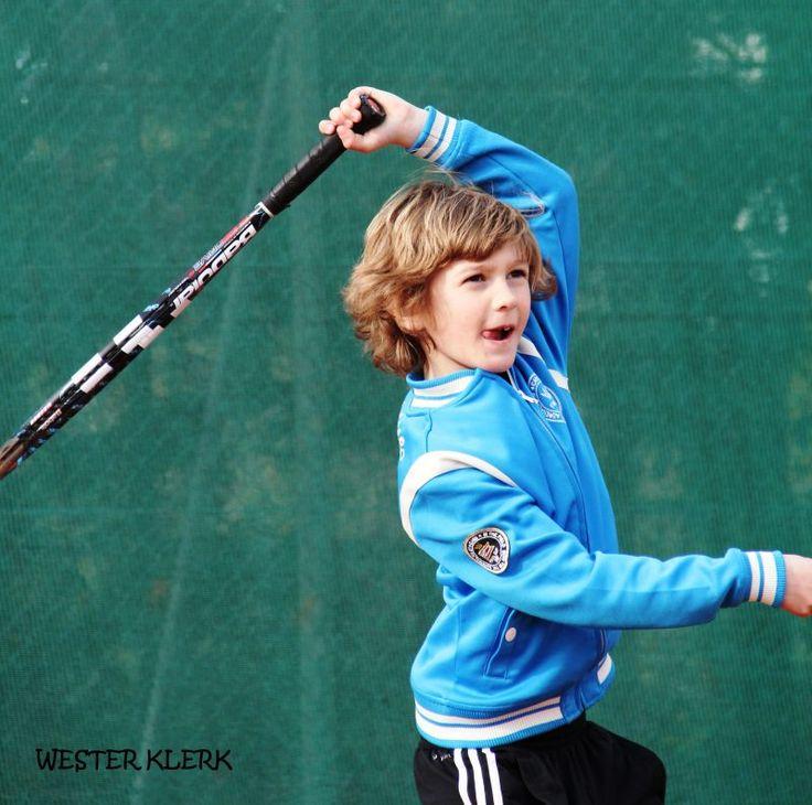 Andijk - Wester Klerk, lid van tennisvereniging ATLAS, heeft zich als 28ste op de nationale ranglijst geschaard bij de 32 beste tennissers van Nederland en mag daarom van 5 t/m 8 maart uitkomen op ...