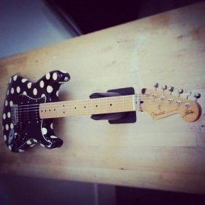 En ce moment à l'atelier : Strat Fender Mexique « Buddy Guy » signature. Réglage complet et changement des micros (kit Strat Xavier Petit).