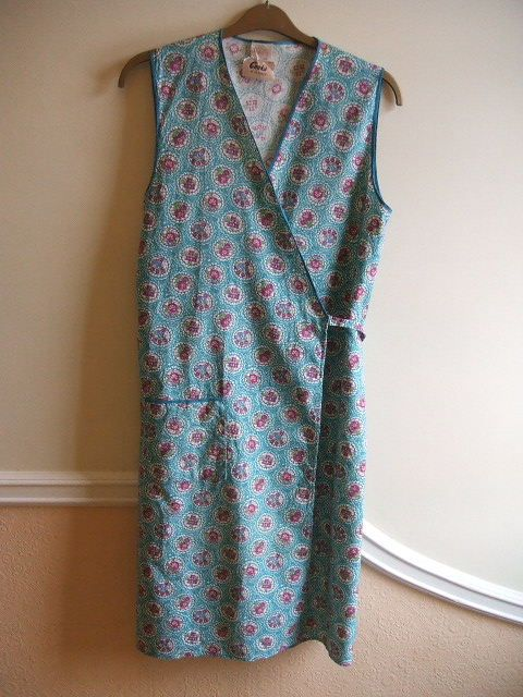 vintage pinny. Our neighbour always wore one of these and it was often covered in flour as she was an enthusiastic baker. Her house always smelled wonderful.